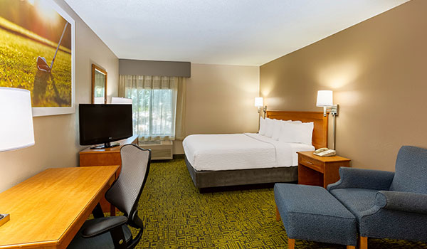 Queen Room at Days Inn & Suites by Wyndham Madison, Wisconsin